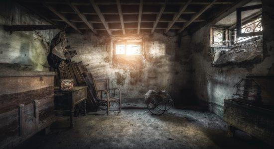 pogreb-mebel-okno